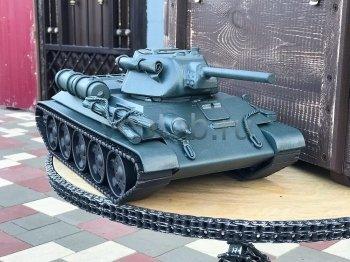 Кованый подарок #005 ( кованный танк Т-34 - шкатулка/мини-бар)