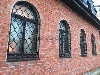 Кованные решетки на окна #12