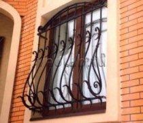 Кованные решетки на окна #71