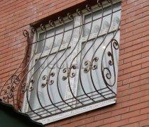 Кованные решетки на окна #69