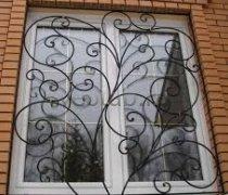 Кованные решетки на окна #82