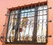 Кованные решетки на окна #74