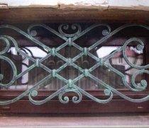 Кованные решетки на окна #66