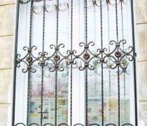 Кованные решетки на окна #62