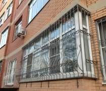 Кованные решетки на окна #63