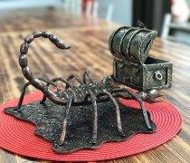 Кованная визитница #50 скорпион