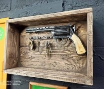 """Кованый подарок #091 """"Револьвер"""" настенная ключница"""