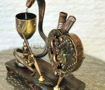 Кованый подарок #008 (настольный набор с часами и подставкой под ручки)