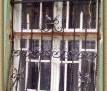 Кованные решетки на окна #91