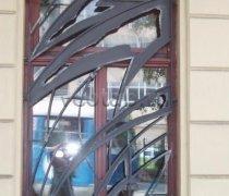 Кованные решетки на окна #77