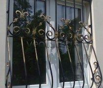 Кованные решетки на окна #59