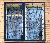 Кованные решетки на окна #81