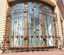 Кованные решетки на окна #87