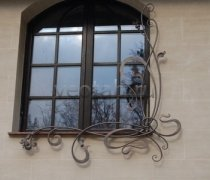Кованные решетки на окна #89
