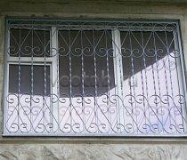 Кованные решетки на окна #99